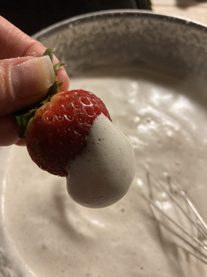 aquafaba whipping cream w strawberry